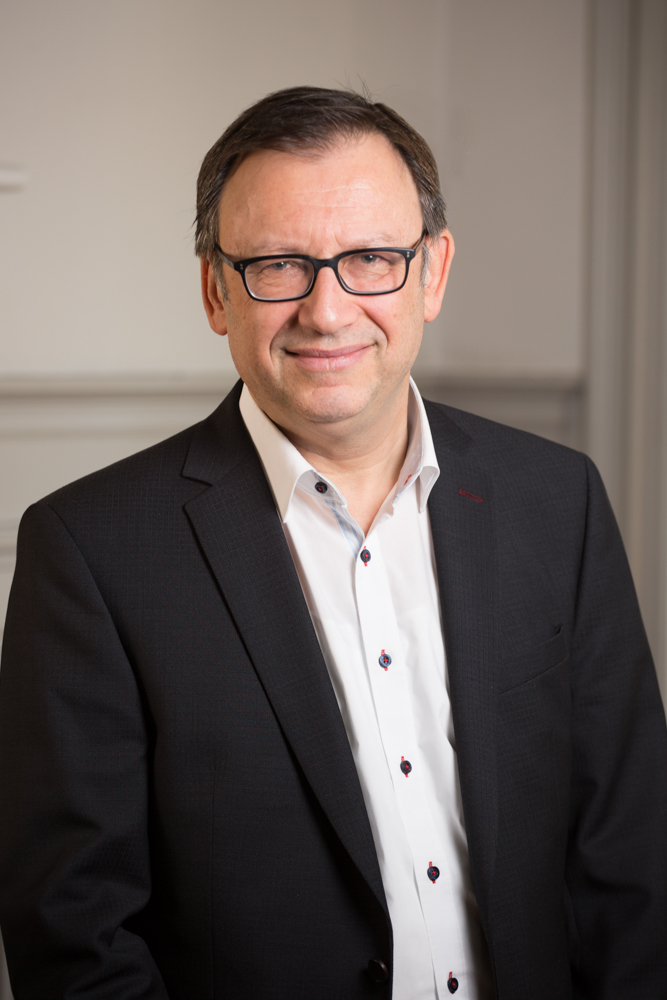 Dr D Richter